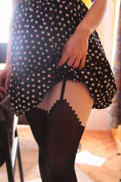 These 8 Bit Pantyhose Pixelate Your Legs