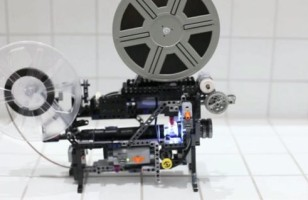 A Super-8 Movie Projector Made With LEGO Technic