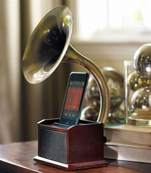 The Gramophone iPod Dock Remembers It's Roots