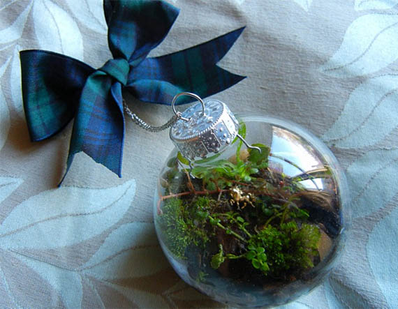 How to Make a Terrarium Christmas Ornament