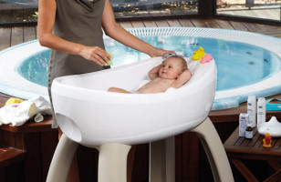 $2K Baby Bathtub Results in Filthy, Stinking Rich Kids