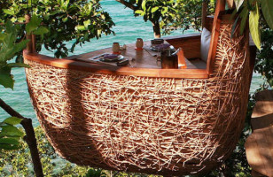 Sky Dining: Bird's Nest Restaurant