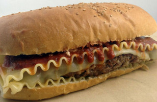 Ultimate Noms: The Lasagna Burger
