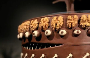 The Cake Is Alive: Tim Burton Caketope