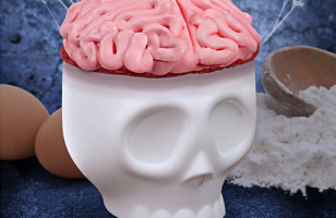 Make Sweet Brain Food With Nomskulls Cupcake Molds