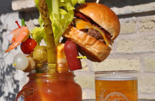 Yes Plz: Bacon Cheeseburger Bloody Mary