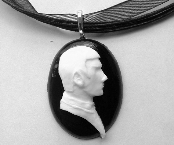Classy Cameos For Geeks