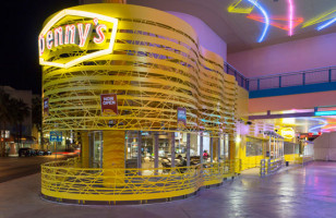 Yay?: Now You Can Get Married At Denny's
