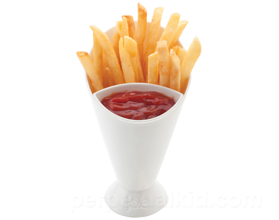 <p>2 Foods, 1 Cup: French Fry Cone &amp; Dip</p>