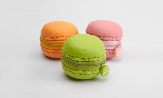 Mmm!: A Scented Macaroon Coin Purse