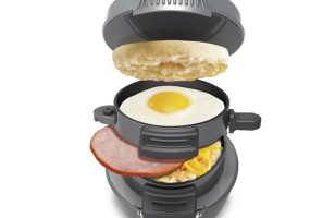 Make Fast Food At Home with the Breakfast Sandwich Maker