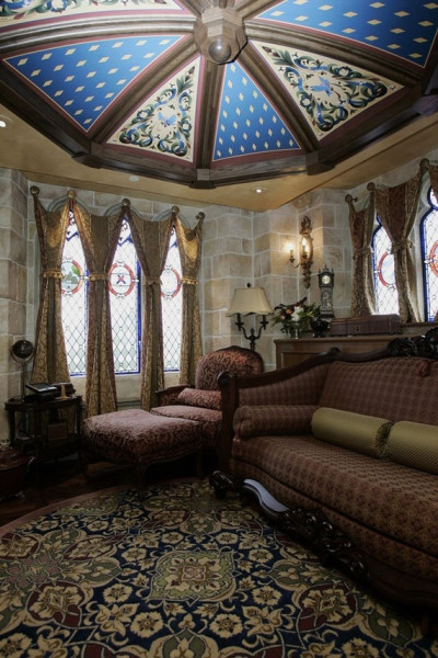 The ONLY Hotel Room In Cinderella's Castle