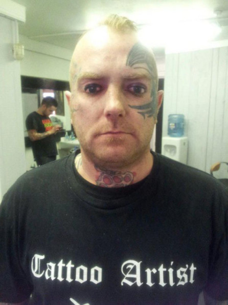 Man's Got Eyes Tattooed On His Eyelids