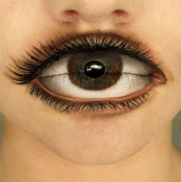 Super Realistic Eye-Lip Make Up