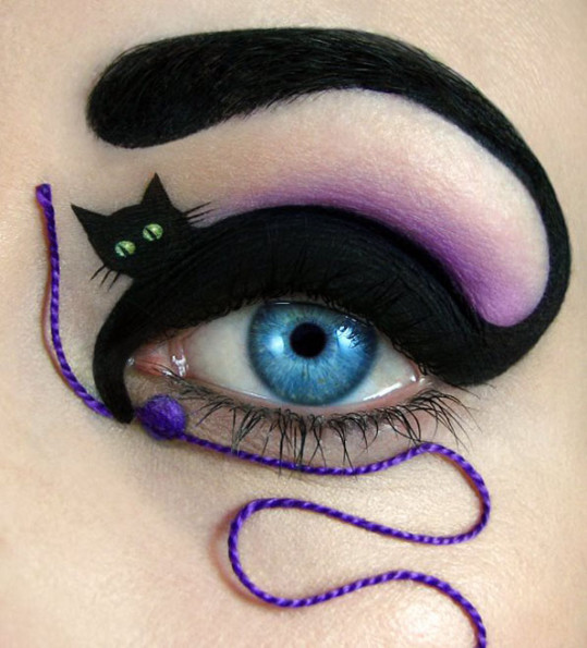 Literal Cat Eye Make Up