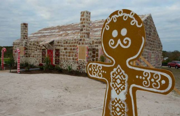 The World's Largest Gingerbread House Is Bigger Than My Apartment