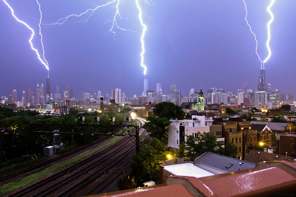 Whoa! 3 Lightning Bolts Hit 3 Buildings At The Same Time