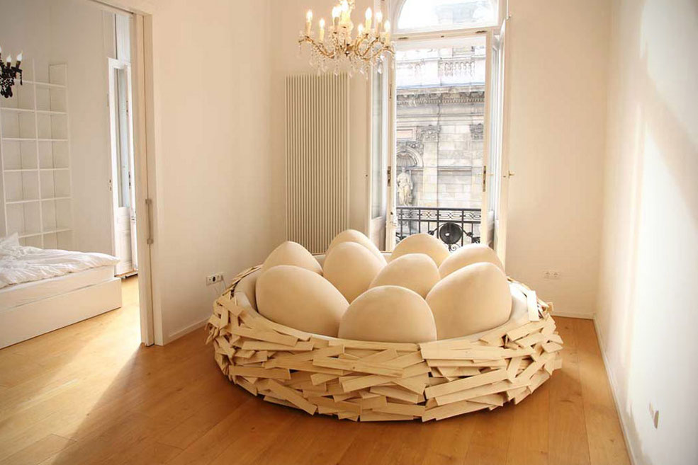 This Giant Birdu0027s Nest Sofa Is Absolutely Eggcellent