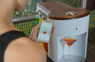 This Robot Bartender Is Basically Like A Keurig For Cocktails
