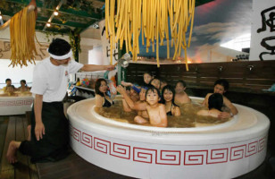 So Uh, Apparently Ramen Baths Are All The Rage In Japan