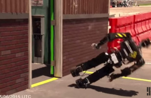 This Compilation Of Robots Falling Down Is Truly Satisfying