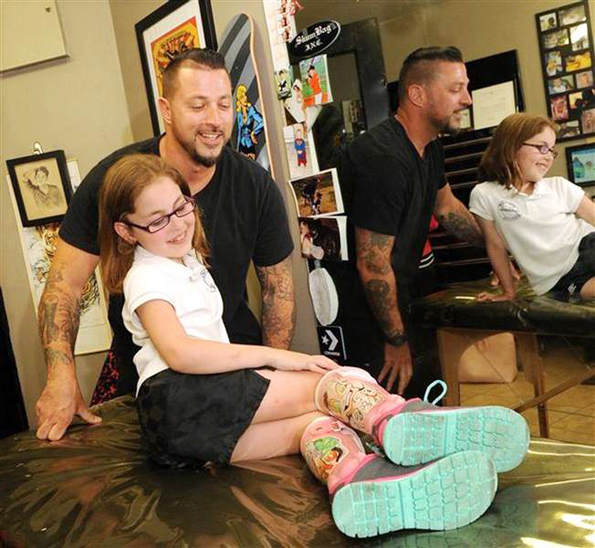An Artist Gives A Little Girl's Leg Braces Disney Villain