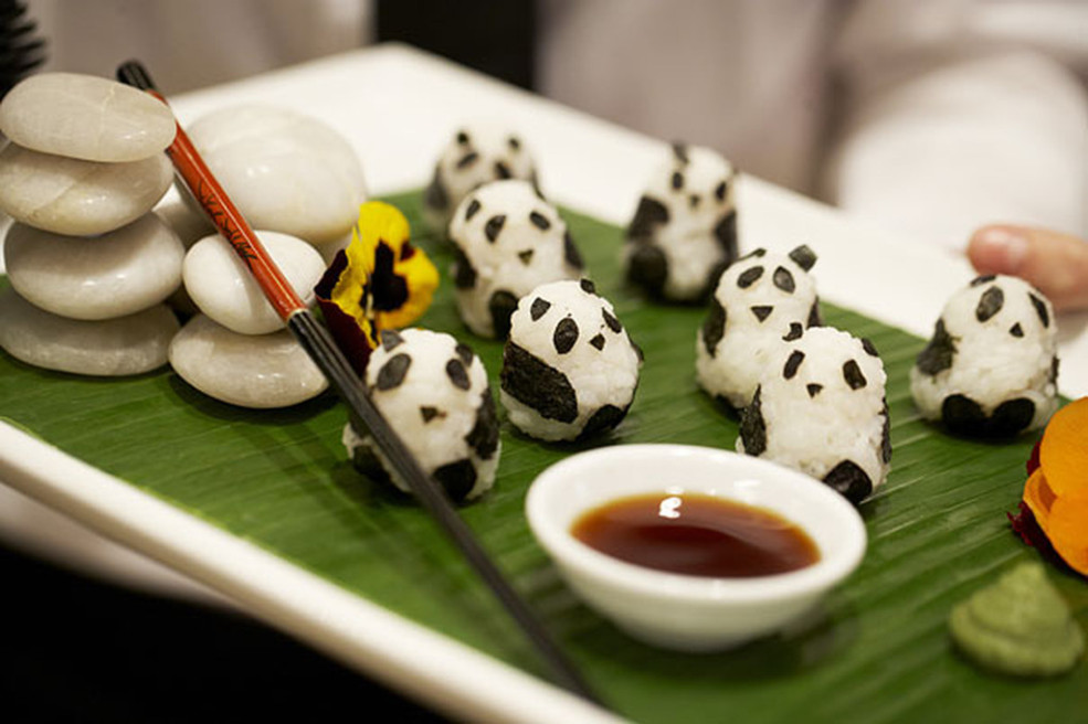 Painfully Cute Panda Sushi & More Incredible Links