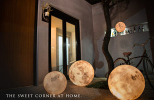 That's No Moon! It's A Super Dreamy Moon Lamp