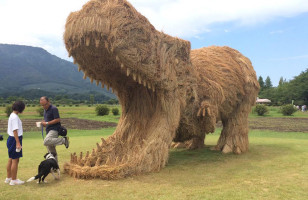 Straw Dinosaurs & More Incredible Links
