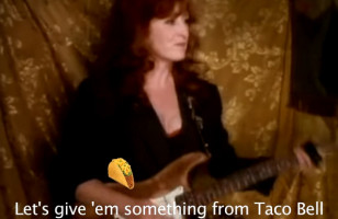 This Bonnie Raitt x Taco Bell Mashup Is A Christmas Miracle