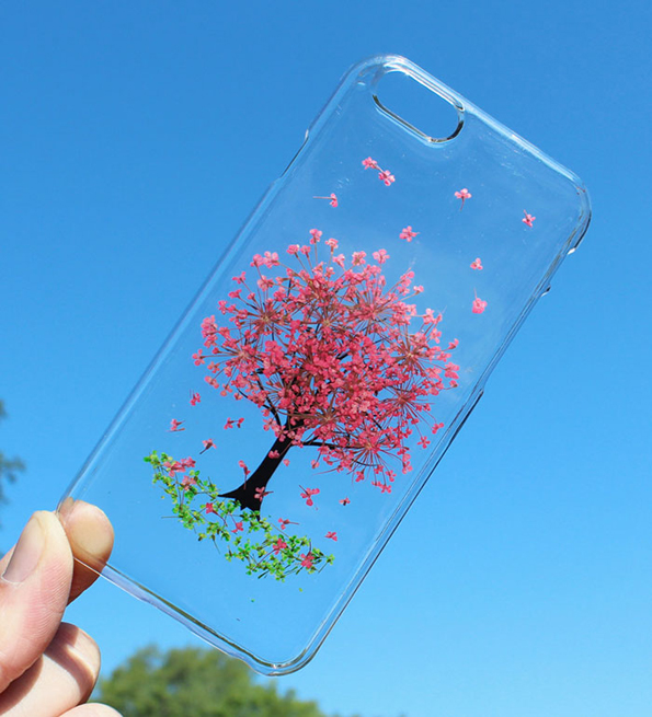 These Pressed Flower Phone Cases Are Super Pretty