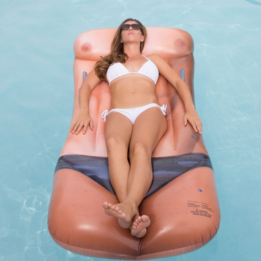 sexy-pool-float-3