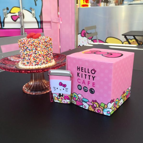 hello-kitty-cafe-3