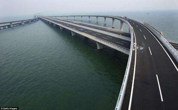worlds-longest-sea-bridge-1