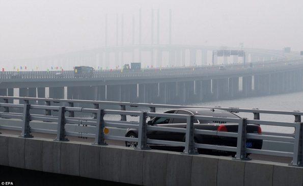worlds-longest-sea-bridge-2