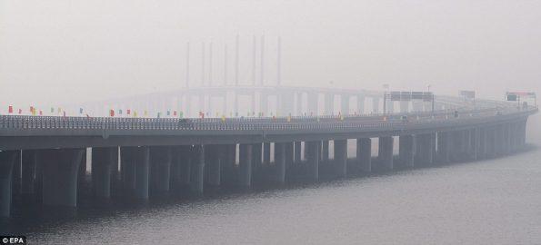 worlds-longest-sea-bridge-3