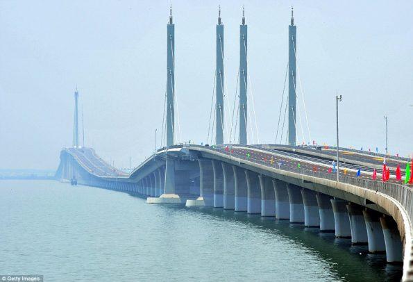 worlds-longest-sea-bridge-4