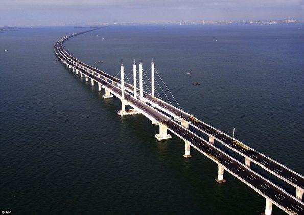 worlds-longest-sea-bridge-5