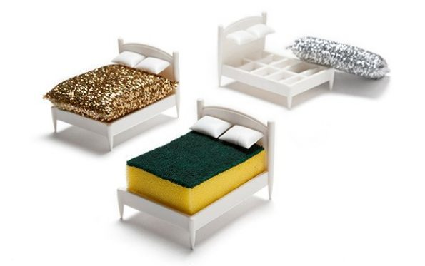 bed-sponge-holder-1