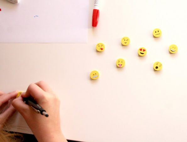 diy-emoji-magnets-1