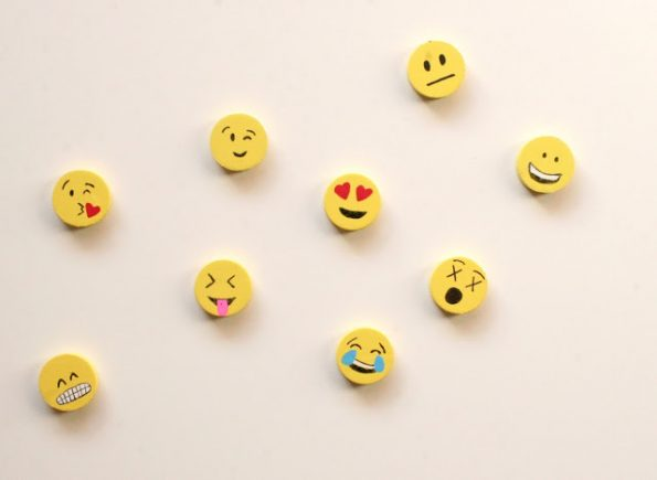 diy-emoji-magnets-3