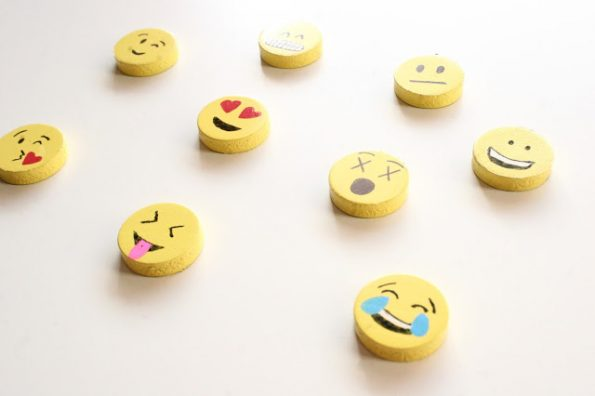 DIY Emoji Magnets Are Easily The Most Expressive Magnets