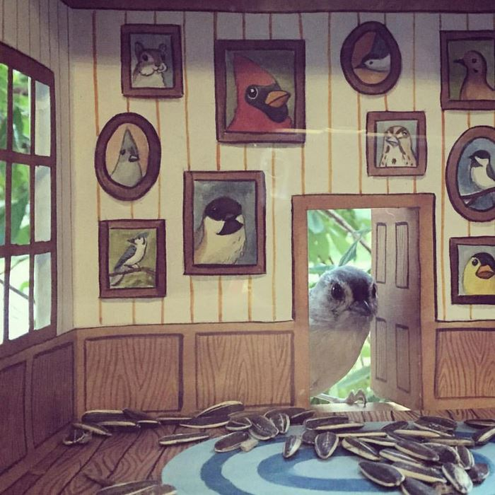This Artist Decorates Her Birdhouses On The Inside!