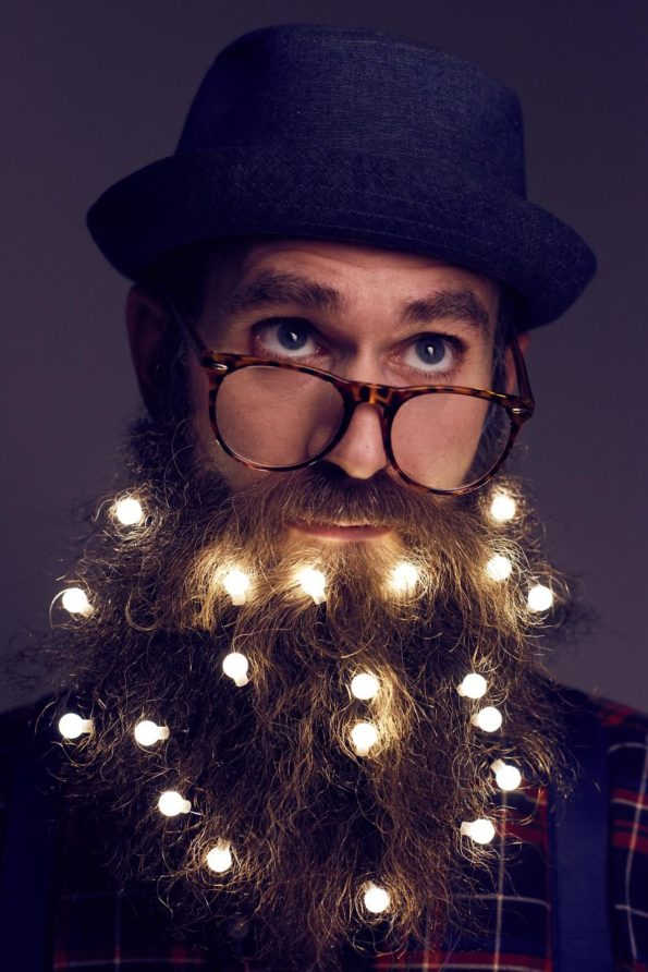 beard-christmas-lights-2
