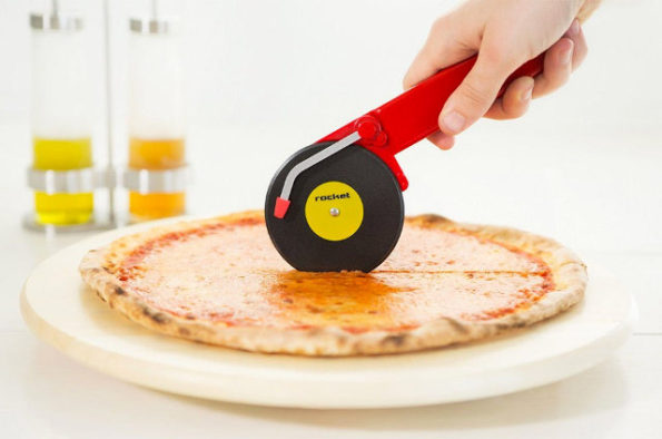 turntable-pizza-cutter-2