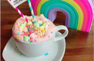 Unicorn Hot Chocolate Is The Prettiest Hot Cocoa Ever!