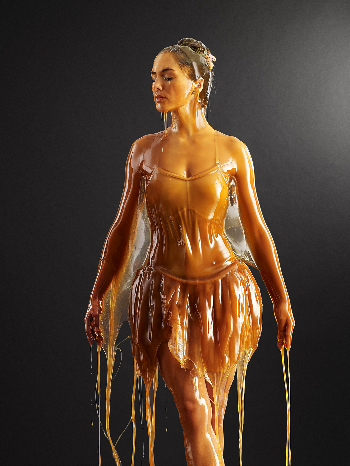 Unbelievable Photos Of People Covered In Honey