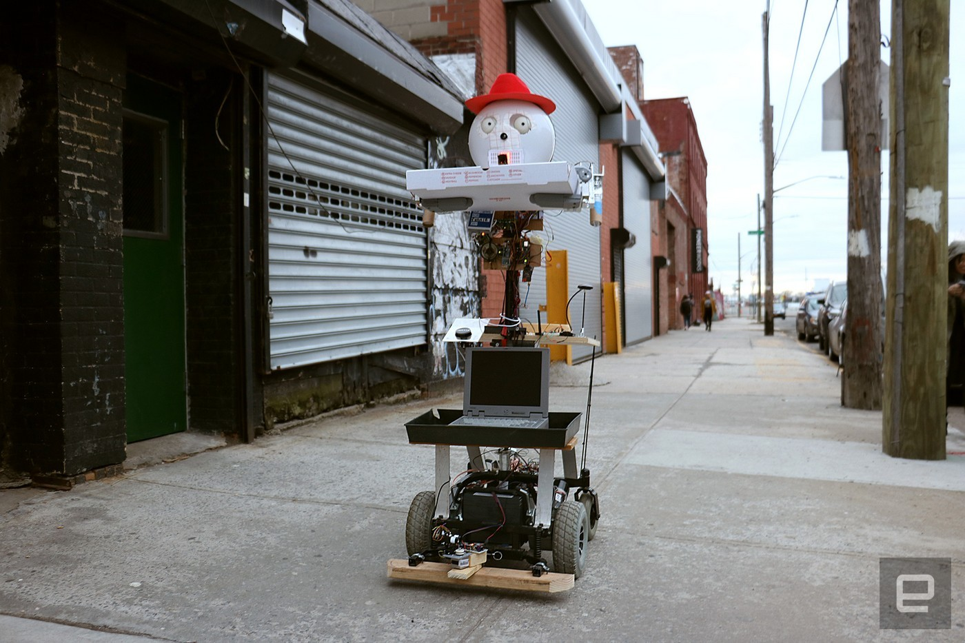 This Pizza And Beer Delivering Robot Is Our New Hero