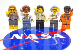 The Women Of NASA LEGO Set & More Incredible Links