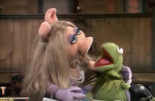 "R. Kelly's ""Ignition"" Performed By Kermit The Frog Is Everything"